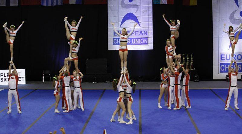 Cheerleading: Postani uspešna trener(ka) cheerleadinga!